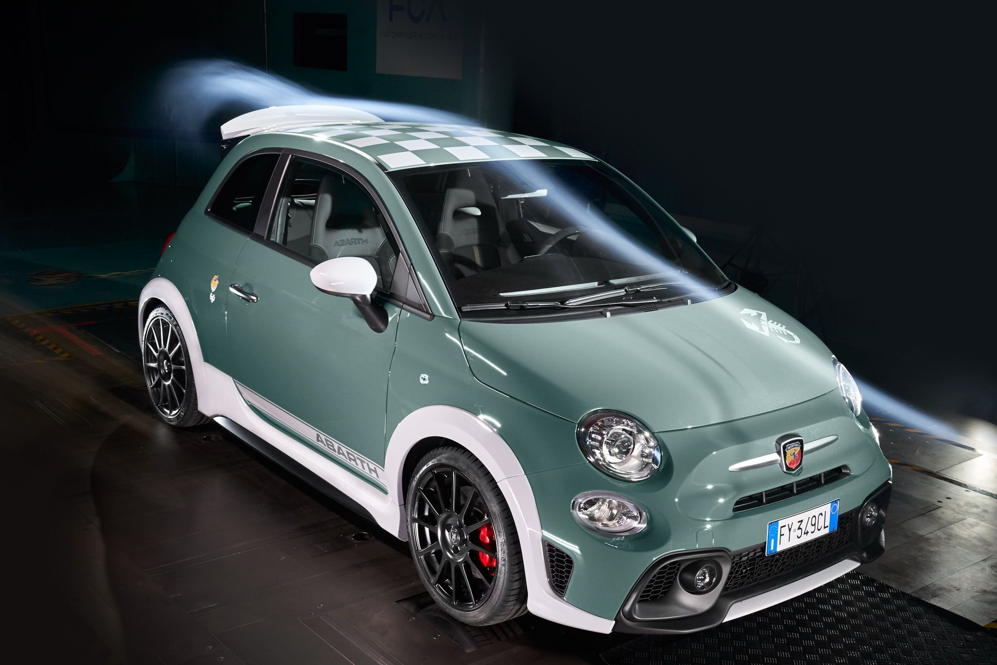Der neue Abarth 695 70th Anniversario